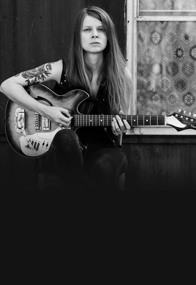 Sarah Shook & The Disarmers (US)